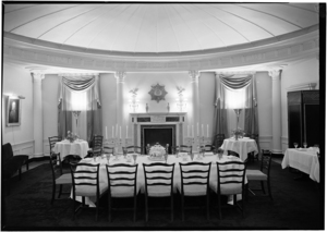 photo credit Samuel H. Gottscho. 960 Fifth Avenue. Dining room 1930. Museum of the City of New York. Gottscho-Schleisner Collection. 88.1.1.1012